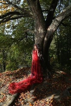 Queen of the autumn forest. #celticphotoshoot @Arto Löfgren photography