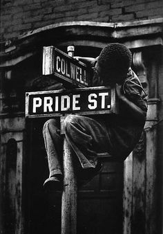 W Eugene Smith Exhibition: Pittsburgh. Vintage Photographs by W. Eugene Smith from Bridge, Buildings & River at Night; Kansas, Herbert List, Black White Photos, Black And White Photography, Batalha De Iwo Jima, Vintage Photographs, Vintage Photos, Vintage Modern, Great Photos