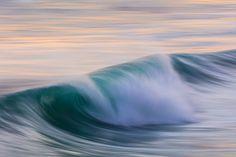 Spring winds airbrush a ground swell at Blackhead Beach, Dunedin, New Zealand. - Box of Light Close Up Photography, Stunning Photography, New Zealand Beach, Photo Report, Beaches, Surfing, Coast, Waves, Sea