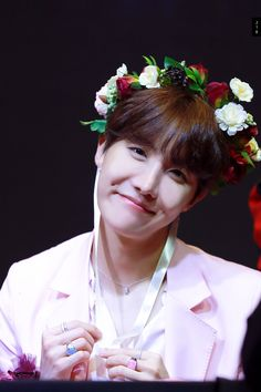 """""""a thread of jung hoseok smiling but his smile gets bigger as you keep scrolling."""
