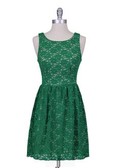 I would add a little sweater for school :) Emerald Green Lace Dress, Emerald Dresses, Olive Green Dresses, Cute Fashion, Fashion Outfits, Casual Dresses, Short Dresses, Fashion Corner, Classy And Fabulous