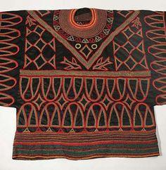 Africa | Tunic from Cameroon | 20th century | Cotton ~ applique embroidery