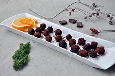 Marsipankuler med sjokolade og appelsin All Things Christmas, Food, Essen, Meals, Yemek, Eten