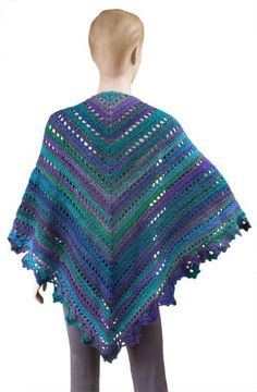 This free crochet shawl pattern is absolutely gorgeous.