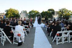 brookfield zoo outdoor wedding ceremony