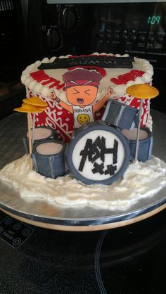 5 Seconds of Summer cake for my daughter's 15th birthday.