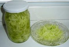 okurkový salát do sklenic Czech Recipes, Salty Foods, Cucumber Salad, Preserves, Pickles, Kimchi, Cabbage, Food And Drink, Smoothie
