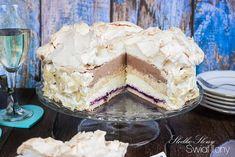 Słodko-słony świat Ilony...: TORT PRALINOWY Z BEZĄ, BIAŁĄ CZEKOLADĄ I CZARNĄ PORZECZKĄ Make Ahead Desserts, Delicious Desserts, Yummy Food, Maxi King, Easy Homemade Cookies, Cinnamon Roll Pancakes, Sweet Bakery, Dessert Cake Recipes, Pavlova