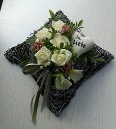 Grave arrangement grave decoration pillow roses heart in love memorial day .-Grabgesteck Grabschmuck Kissen Rosen Herz In Liebe Gedenktag Trauerfloristik Grave arrangement grave decoration pillow roses heart in love memorial day funeral floristry - Grave Decorations, Easter Table Decorations, Christmas Centerpieces, Christmas Decorations, Memorial Flowers, Modern Flower Arrangements, Hair Color For Women, Remembrance Day, Funeral Flowers