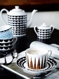 MRS JONES: Black and white drinkware