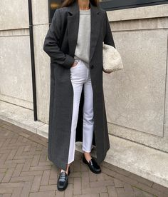 Fall Winter Outfits, Spring Outfits, Yves Saint Laurent, Loafers Outfit, Long Blazer, Blazer Outfits, Cute Casual Outfits, Minimalist Fashion, Jeans