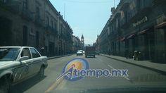 Esta mañana, unas 30 personas con algunas de sus camionetas cerraron la Avenida Madero Oriente de Morelia, frente al Palacio Legislativo para exigir la liberación de un compañero suyo que ...