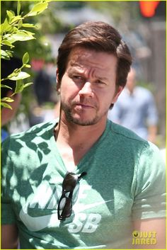 Mark Wahlberg Dishes On the New Dinobots in 'Transformers: Age of Extinction'! | Mark Wahlberg Photos | Just Jared