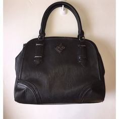 "Simply Vera Vera Wang Black Handbag Purse  Simply Vera Vera Wang from Khols Black polyester pleather Multi Pocket opening with lots of pockets Zipper and magnetic closures LinedLength- 15"", Width- approx 12-13"" New without tags never worn! Simply Vera Vera Wang Bags"