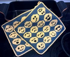 WP_20160820_13_52_15_Pro (2) Pot Holders, Knit Crochet, Crochet Patterns, Diy, Blanket, Knitting, Barn, Socks, Kitchen