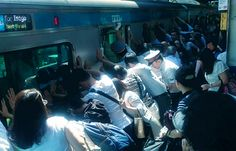 # InspiracionUdever Todo por culpa del maldito tren que ha pisado a un mujer. La unión hacer fuerza!