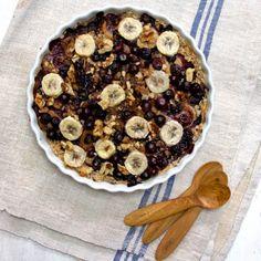 Baked Banana, Blueberry and Raisin Oatmeal | Deliciously Ella