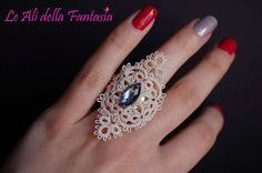Elegant ring lace tatting with center stone. от LeAlidellaFantasia