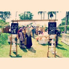 nice entrance :) ! #DIY #alendawedding2014
