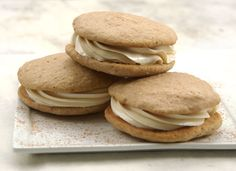 Millerov Van Nest - You have a whoopie pie maker, you should make these and bring them to work to share! :) - Apple Spice Whoopie Pies with Cinnamon-Cider Buttercream Filling Apple Spice Cake, Best Apple Pie, Apple Recipes, Cookie Recipes, Dessert Recipes, Macarons, Muffins, Cupcakes, King Arthur Flour