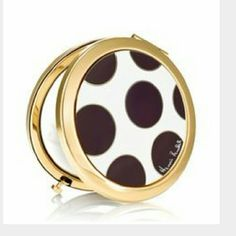Henri Bendel Polka Dot Oversize Compact Mirror Lovely, never been used with dust bag. Accessories