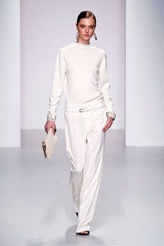 White Wide-Leg Pants Daks Spring 2014 Ready-to-Wear Collection  Fashion Trends 2014 - ELLE