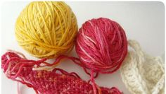 Tingere la lana con i coloranti naturali in casa