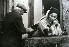 Constantine Manos Grandfather and child, Karpathos Greece 1964 Vintage Pictures, Old Pictures, Karpathos Greece, Greece Pictures, Greek Music, Slice Of Life, Magnum Photos, Black And White Photography, Nostalgia
