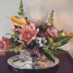 great vancouver florist #centerpiece #dahlia #sedum by @hyunsun.shin  #vancouverflorist #vancouverflorist #vancouverwedding #vancouverweddingdosanddonts