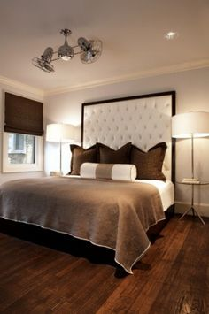 This guest bedroom is soothing and modern. The high-tufted headboard, designed by Pulp Design Studios, creates drama in the space. The tall headboard is grounded by custom windows and bedding. Decor, Modern Bedroom, Contemporary Bedroom, Dramatic Bedroom, Bedroom Design, Bedroom Decor, Beautiful Bedrooms, Home Decor, House Interior