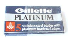 Vintage 5 Gillette Platinum razor blades with a UK royal award 1966/67/68s # 713