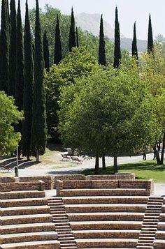 théâtre de Verdure à 800 places dans Le Parc Gilbert Vilers. Aix-en-Provence