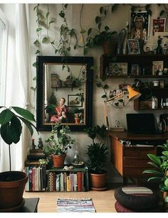 Best Retro home decor ideas - Super Elegant retro plans. retro home decor ideas plants wonderful tip number 1681206313 shared on this day 20190518 My New Room, My Room, Dorm Room, Aesthetic Bedroom, Retro Home Decor, Home Office Decor, Home And Deco, Bedroom Decor, Bedroom Ideas