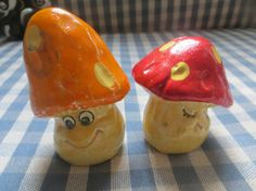 Kitschy Smiling Mushrooms Salt and Pepper Shakers