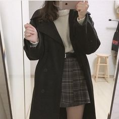 Edgy Outfits, Retro Outfits, Cute Casual Outfits, Winter Outfits, Fashion Outfits, Fashion Pants, Casual Dresses For Winter, Fashion Men, Casual Korean Outfits
