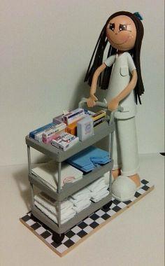 Para una estudiante de Auxiliar de Enfermería que termina ya este año, su madre quiso hacerle este bonito regalo