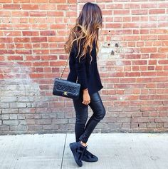 Black on black - wardrobe inspiration Passion For Fashion, Love Fashion, Womens Fashion, Casual Outfits, Fashion Outfits, Fashion Trends, Black Outfits, Casual Attire, Winter Outfits
