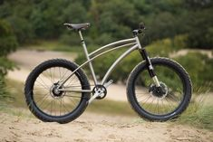 Newsboy style fatbike with Rohloff gears? Bonkers, I love it!
