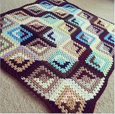 Free Crochet Patterns: Good and Evil Granny Square crochet blankets, crochet afghans, afghan patterns, quilt patterns, crochet block, log cabins, blanket patterns, granny squares, crochet patterns