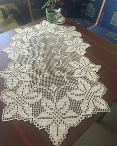 Filet Crochet, Beau Crochet, Double Crochet, Free Crochet Doily Patterns, Crochet Doilies, Crochet Lace, Christmas Crochet Blanket, Crochet Christmas Ornaments, Crochet Table Runner