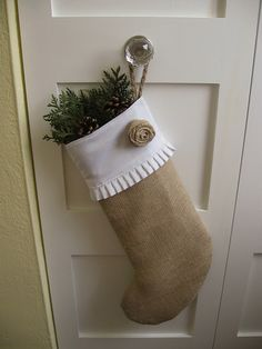Burlap Christmas Stocking Tutorial