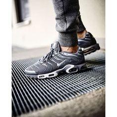 wholesale dealer 6250b 25c5c Nike Air Max Plus Tn Nike Running Leggings, Running Shoes, Sneakers Nike,  Adidas