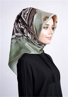 Hijabi Girl, Girl Hijab, Beautiful Hijab, Beautiful Women, Turkish Hijab Style, Pashmina Scarf, Muslim Women, Silk Scarves, Hijab Fashion