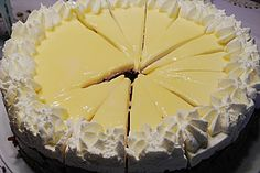 Eierlikör - Kirsch - Torte (Rezept mit Bild) von honeybear89 | Chefkoch.de
