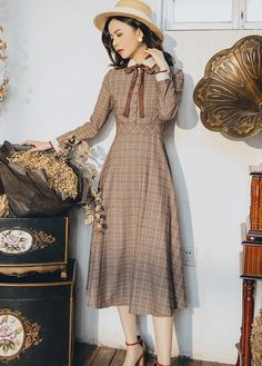 High Quality Best-selling Retro Autumn Winter New Arrival Peter Pan Collar Bow-knot Plaid Printed Woman Long Dress - Modest Outfits, Classy Outfits, Modest Fashion, Pretty Outfits, Fashion Dresses, Women's Fashion, Vintage Long Dress, Retro Vintage Dresses, Vintage Outfits
