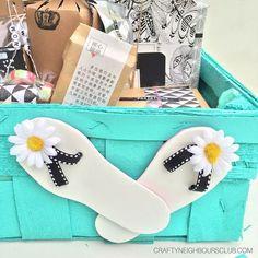 Ein DIY für eine stilvolle  Dankeschön-Box  zum Abschied von der Grundschule. Auch für viele andere Anlässe eine schöne Idee. Mehr auf unserem Blog.