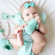 Love you ma 👶 Cute Little Baby, Little Babies, Cute Babies, Baby Kids, Cutest Babies Ever, Newborn Baby Photography, Everything Baby, Toddler Gifts, Baby Girl Fashion