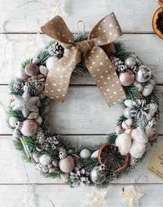Great Home Decor Trends 2019 Wreath decor christmas interior new year wreath decor interior new … New Years Decorations, Christmas Decorations, Holiday Decor, Christmas Advent Wreath, Xmas, Home Decor Trends, Decor Ideas, Christmas Interiors, Home Accents