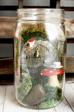 Mason Jar Fairy Gardens - Have you jumped on the fairy garden trend? They only take about 15 minutes to put together and you can have so much fun with different little houses, doors and accessories. They make really fabulous gifts too! Fairy Glow Jars, Mason Jar Fairy Lights, Mason Jars, Garden Nursery, Fairy Garden Houses, Fairy Garden Doors, Jar Crafts, Glow Crafts, Miniature Fairy Gardens