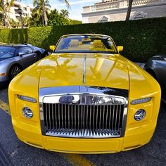Bling yellow Rolls Royce. .